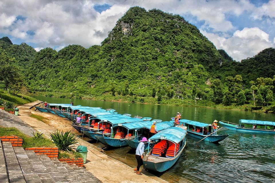 Private Car From Hue to Phong Nha