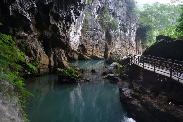 Tour Explore Paradise Cave - Dark Cave