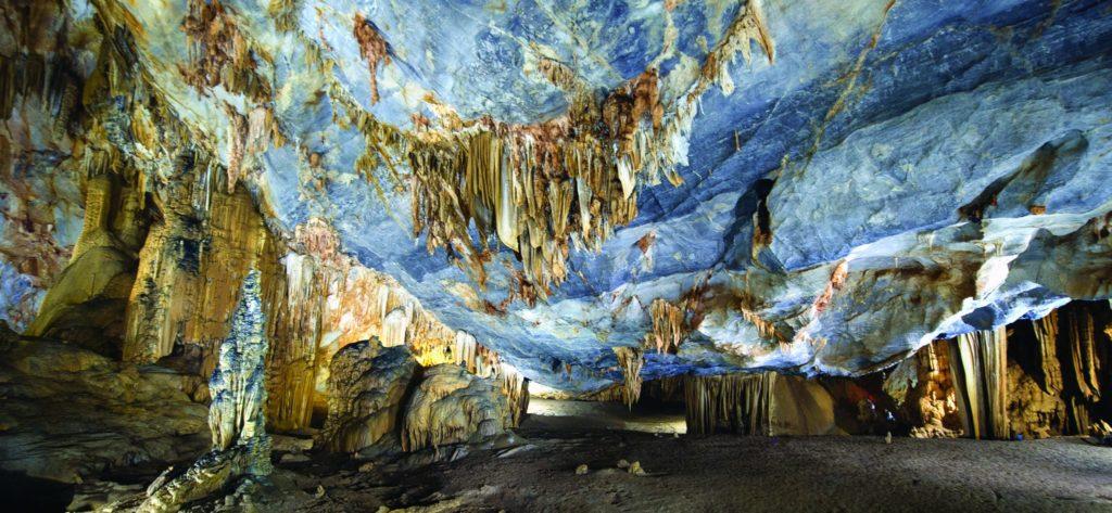 Hue - Paradise Cave Tour 1 Day